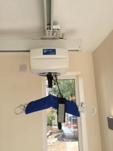 ot200 ceiling hoist on xy system