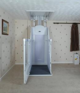 VM-Lower-Floor-Door-Open.JPG-886x1024