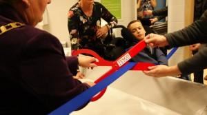 dpt mayor ribbon cut