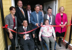 alan titchmarsh opens flat spaces hampshire
